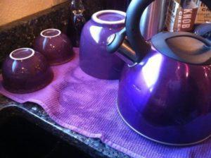 連Marie的開水壺也是紫色